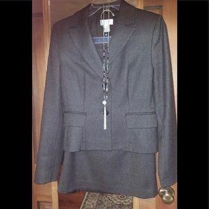 ANN TAYLOR LOFT Wool & Cashmere Suit Size  4